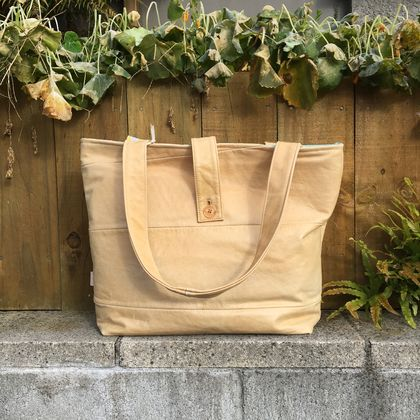 'True Blonde' Leather Tote Bag