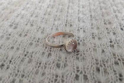 Rose quartz and silver ring