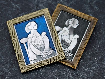 Wearable Art brooch Pablo Picasso - Femme La Chaise (Woman in a Chair)