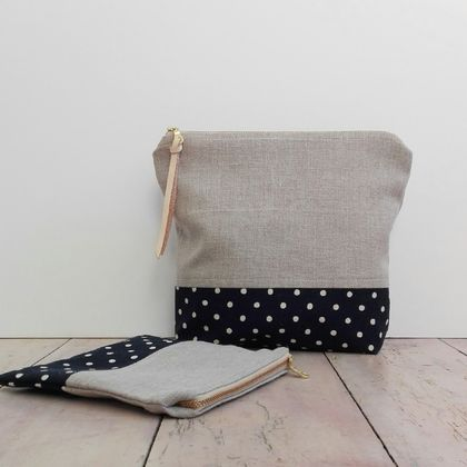 Set of two zippered linen pouches/make up bags/cosmetic bags