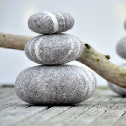 Wool balancing Stones - Set of 3